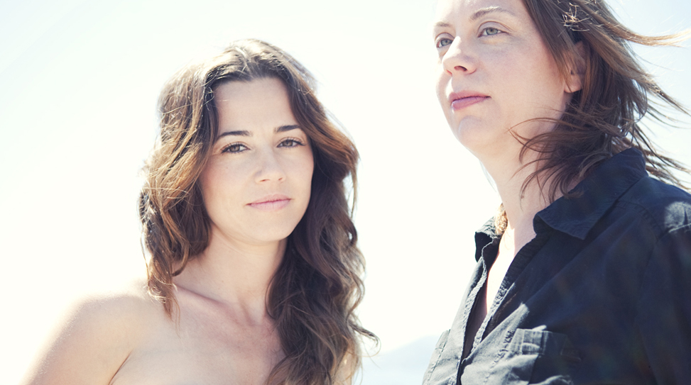 linda-cardellini-and-liza-johnson thumbnail